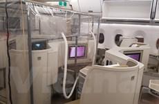 Cận cảnh bên trong máy bay đi Guinea Xích Đạo đón người Việt về nước