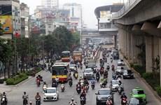 Hà Nội: Kiến nghị các giải pháp để thu hút người dân đi xe buýt