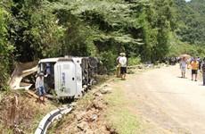 Lắp đặt hộ lan có trợ lực ngăn xe lật xuống vực, đâm vách núi