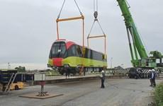 Hình ảnh đoàn tàu đầu tiên tuyến metro Nhổn-ga Hà Nội về tới Thủ đô