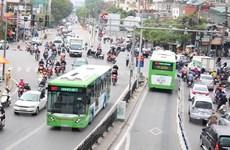 Xe buýt BRT không là 'liều thuốc tiên' trị ùn tắc giao thông Thủ đô