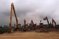 Bộ GTVT kiến nghị chuyển đổi 2 dự án cao tốc Bắc-Nam sang đầu tư công