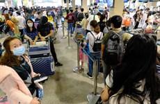Hủy bay do dịch COVID-19: Đa dạng chính sách hỗ trợ hành khách