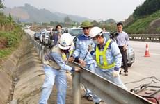 Cao tốc Nội Bài-Lào Cai: Xử lý nghiêm hành vi cố tình tháo dỡ hộ lan