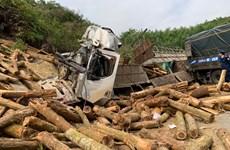 Vụ tai nạn nghiêm trọng ở Thanh Hóa: Xe tải chở quá số người quy định