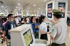 Khách đi lại dịp cao điểm 30/4 đạt mức kỷ lục tại sân bay Nội Bài