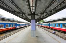 Ngành đường sắt tiếp tục tạm dừng chạy TP.HCM đi miền Trung