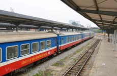 Đường sắt lập tàu chuyên biệt đưa người dân các tỉnh phía Nam về quê