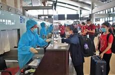 Vietnam Airlines vận chuyển đoàn y bác sĩ lớn nhất vào TP.HCM