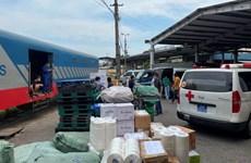 Đường sắt vận chuyển miễn phí gần 1.000 tấn hàng hóa vào miền Nam