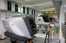 Đề nghị mở lại Trung tâm buồng lái mô phỏng để phi công luyện bay