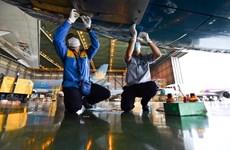 Máy bay Vietnam Airlines được bảo dưỡng, sẵn sàng cất cánh trở lại