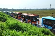 Xe buýt Hà Nội đưa hơn 1.900 người dân từ các tỉnh phía Nam về quê