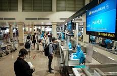 Chuyến bay đầu tiên từ TP.HCM đi Hà Nội sau khi khôi phục bay nội địa