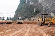 Dự án cao tốc Bắc-Nam đang gặp vướng mắc về mặt bằng, giá vật liệu