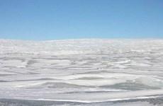 Phát hiện hồ nước siêu lớn dưới dải băng Greenland