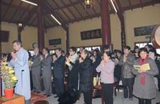 Kiều bào Việt tại Pháp nô nức đi lễ cầu an đầu Xuân