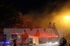 Tây Ninh: Cháy lớn thiêu rụi 20 kiốt chợ biên giới Hòa Bình