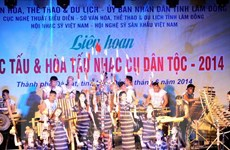 500 nghệ nhân trình diễn nhạc cụ dân tộc tại phố núi Đà Lạt