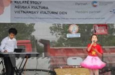 Quảng bá văn hóa dân tộc trong ngày Văn hóa Việt Nam tại Séc