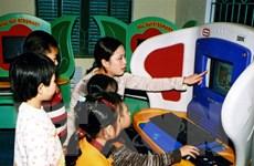 IBM Việt Nam tặng dụng cụ học tập công nghệ cao cho trẻ khó khăn
