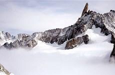 Pháp: Ba nhà leo núi thiệt mạng do ngã từ sườn núi Mont-Blanc