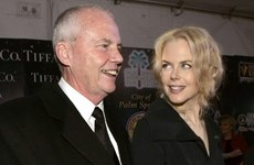 Nicole Kidman suy sụp sau cái chết bí ẩn của cha ở Singapore