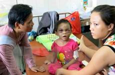 Biểu dương hai vợ chồng giải cứu bé gái 4 tuổi bị bạo hành