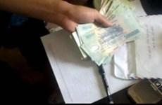 Đình chỉ công tác 3 cán bộ tòa án huyện nhận tiền chạy án
