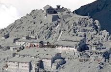 Nhật Bản tạm hoãn việc tìm kiếm nạn nhân gần núi lửa Ontake