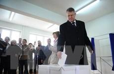 Bầu cử tổng thống Romania: Hai ứng cử viên phải vào vòng 2