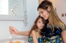 """Mê mẩn với bộ sưu tập đồ đôi """"Mẹ và Con"""" của Dolce&Gabbana"""