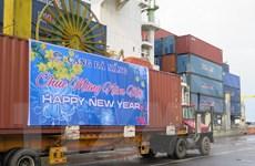 Cảng Đà Nẵng đón container hàng đầu tiên trong Năm mới 2015