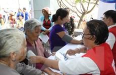 Đoàn bác sỹ Việt Nam-Hàn Quốc khám bệnh cho người nghèo