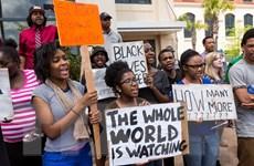 Mỹ: Tuần hành tại nhiều thành phố phản đối cảnh sát bắn người