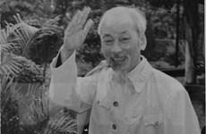 Hồ Chí Minh - Gương đạo đức cách mạng và thực hiện tập trung dân chủ