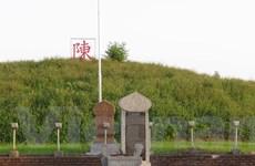 """Thái Bình: 6 tấm bia lạ vẫn tiếp tục """"chễm chệ"""" tại di tích Đền Trần"""
