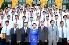 Phó Chủ tịch nước gặp các điển hình tiên tiến Tập đoàn Hóa chất