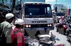 Xe môtô chở 3 người đâm trực diện xe tải, 3 thanh niên tử vong