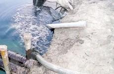 Lén lút xả thải ra sông, doanh nghiệp bị phạt gần 300 triệu đồng