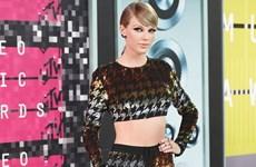 Nữ ca sỹ Taylor Swift đại thắng tại Lễ trao giải VMA 2015
