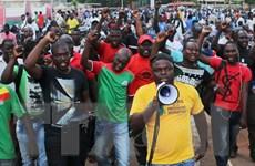 Lực lượng đảo chính ở Burkina Faso chấp nhận thương lượng