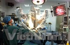 Phát triển kỹ thuật phẫu thuật nội soi robot điều trị cho bệnh nhi