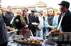 Hương vị Việt Nam nổi bật tại Hội chợ ẩm thực ASEAN ở Praha