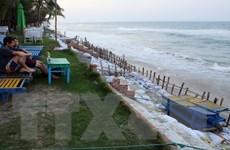Nhiều bãi biển tuyệt đẹp của Quảng Nam có nguy cơ bị xóa sổ