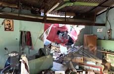 Tây Ninh: Xe container đâm sập nhà dân khiến 2 người tử vong