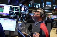 """Chứng khoán Âu-Mỹ """"xanh sàn"""" trong bối cảnh giá dầu hồi phục"""