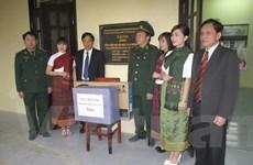 Bền chặt tình làng nghĩa xóm ở hai bản giáp biên Việt-Lào