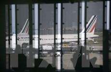 Pháp hủy hàng loạt chuyến bay do nhân viên không lưu đình công