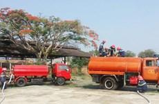 Lâm Đồng dùng xe cứu hỏa tiếp nước cho dân ở vùng khô hạn
